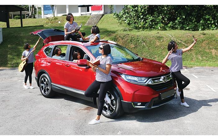 Carmen Flies Solo With Honda S Seven Seater Cr V
