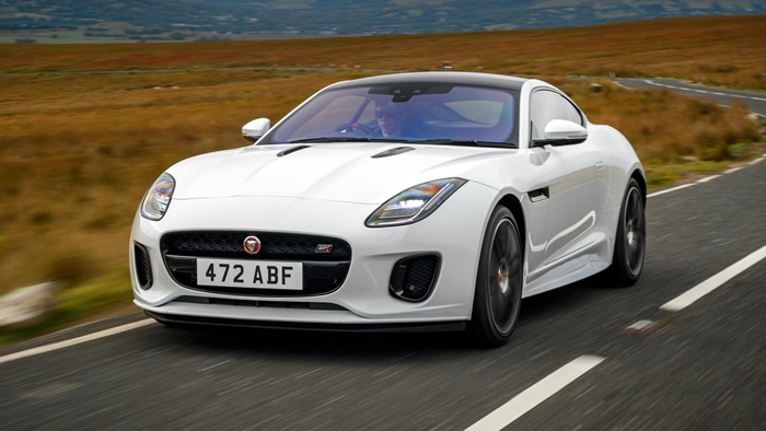 jag f type 20my chequered flag image 291018 015