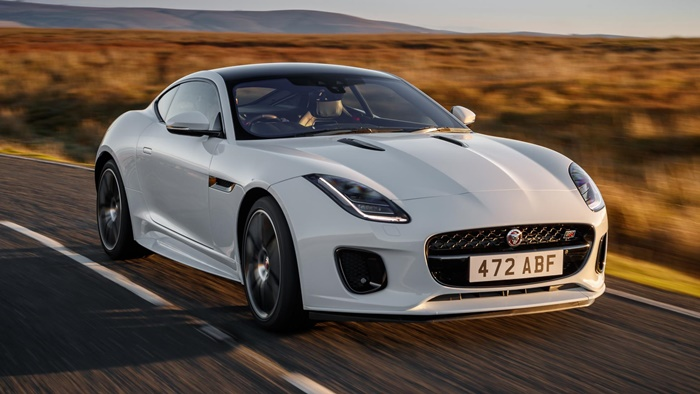 jag f type 20my chequered flag image 291018 040