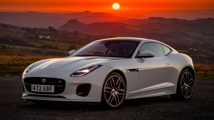 jag f type 20my chequered flag image 291018 105