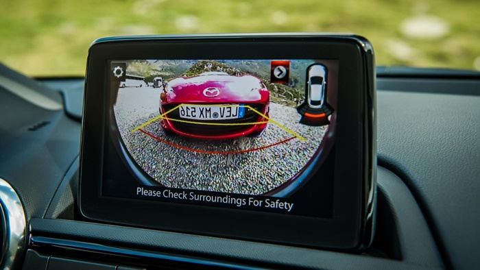 2019mx 5 detail rearviewcamera 14