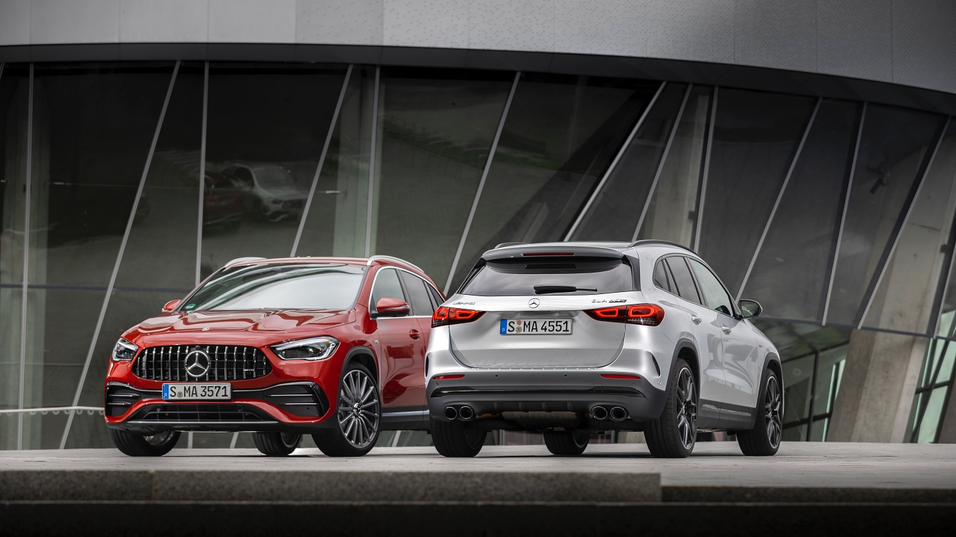 (L-R) Mercedes-AMG GLA 35 4MATIC, GLA 45 S 4MATIC+
