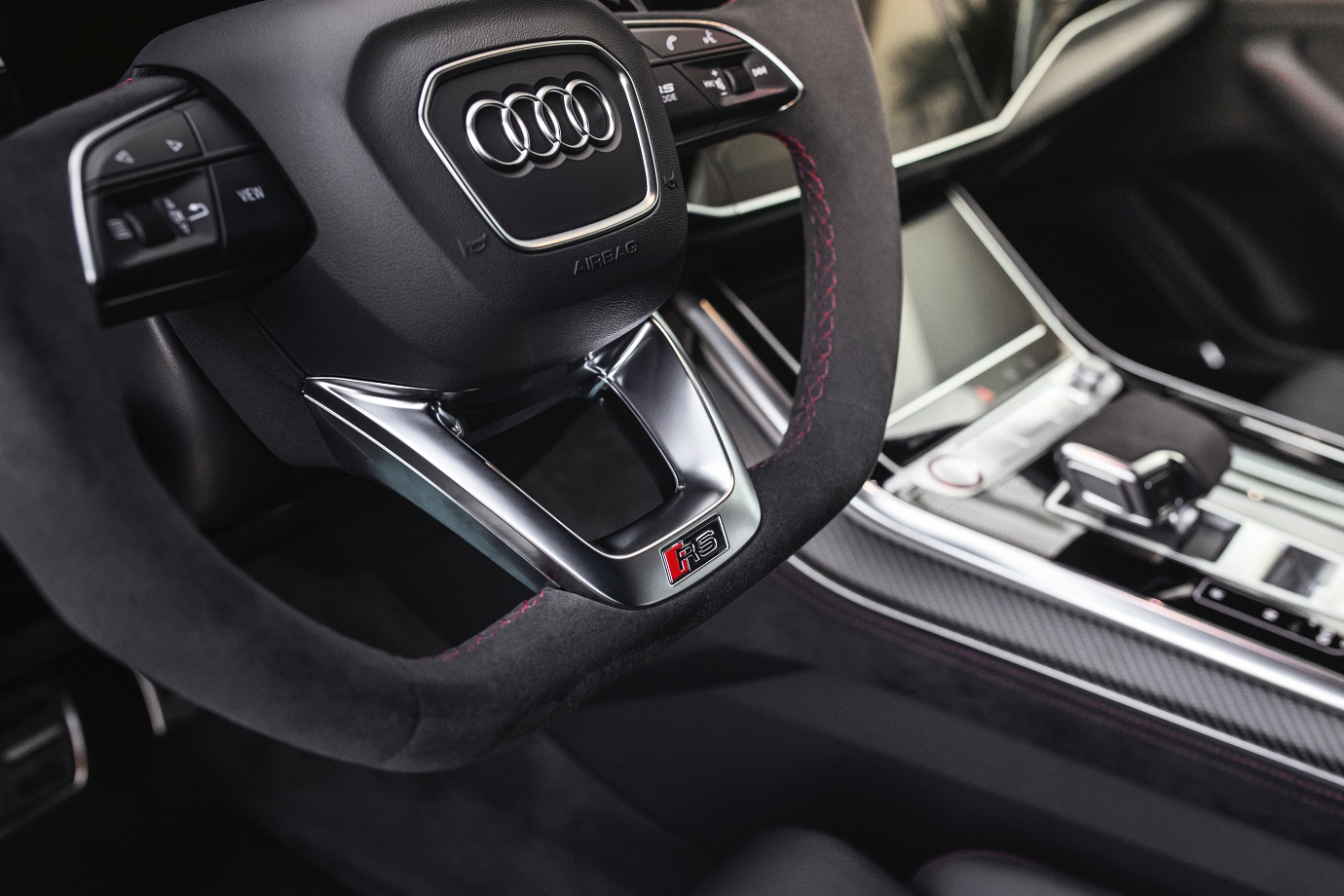 Flat-bottomed steering wheel... because sporty