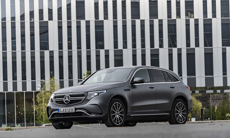 Emotion Engine : Mercedes-Benz EQC 400 4MATIC Driven [review]